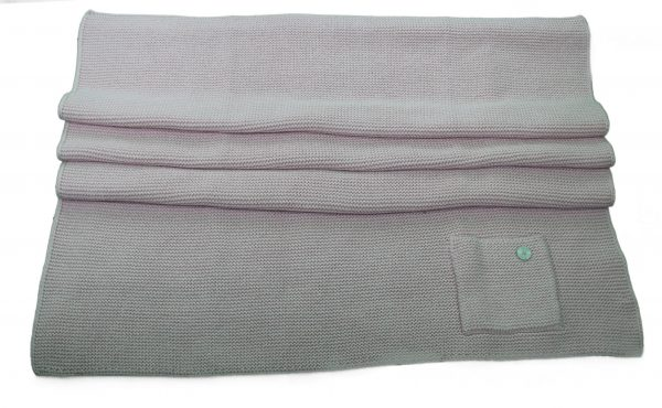 Pink knitted wool and cashmere blanket with pocket