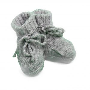 Baby booties cable knit in grey